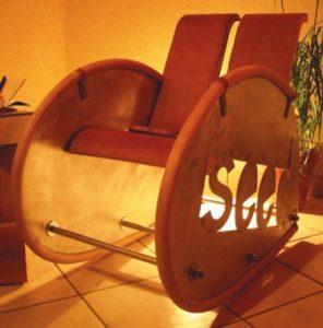 François Lebot transforme les rebuts en mobilier et luminaires